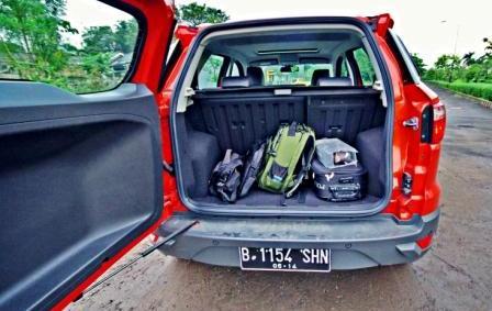 barang bawaan bagasi mobil