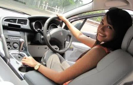 belajar nyetir mobil matic