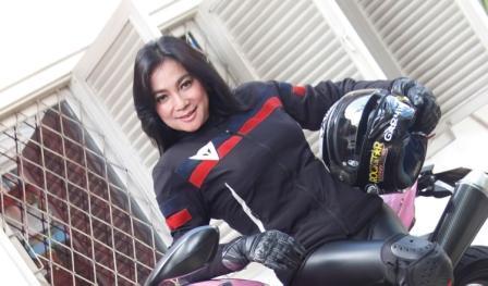 biker cewek