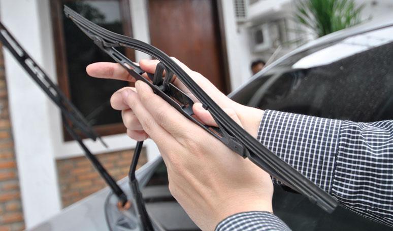 cek wiper mobil