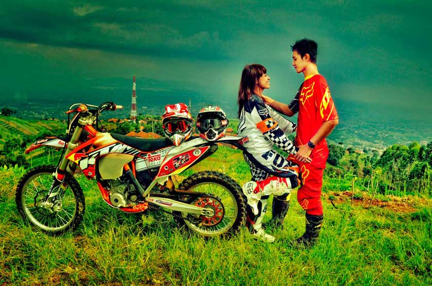 prewedding motor trail
