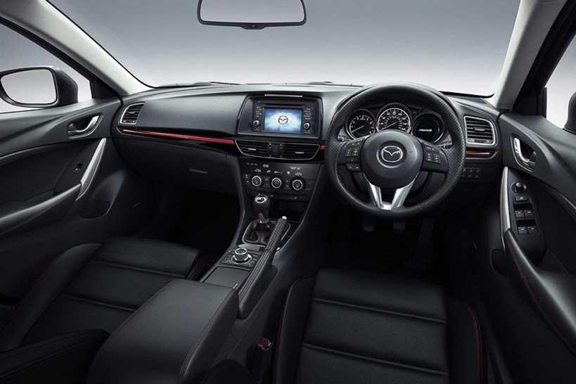 interior Mazda 6