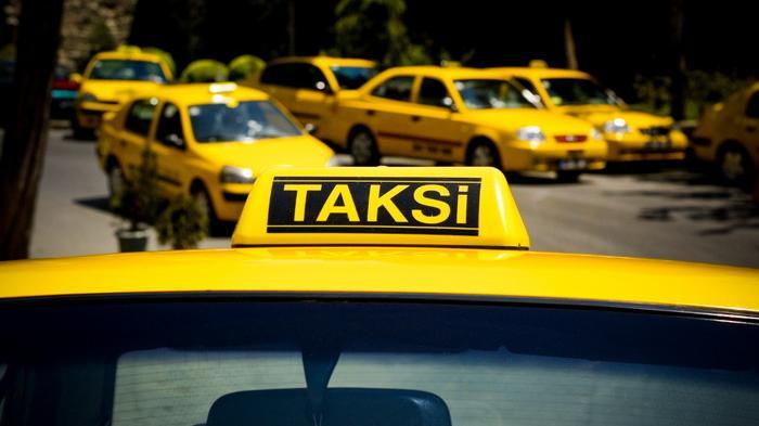 mobil taksi