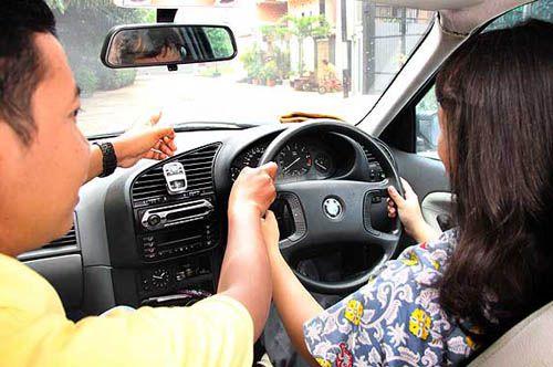 Hayuk Kita Belajar Cara Mengemudi Mobil Manual