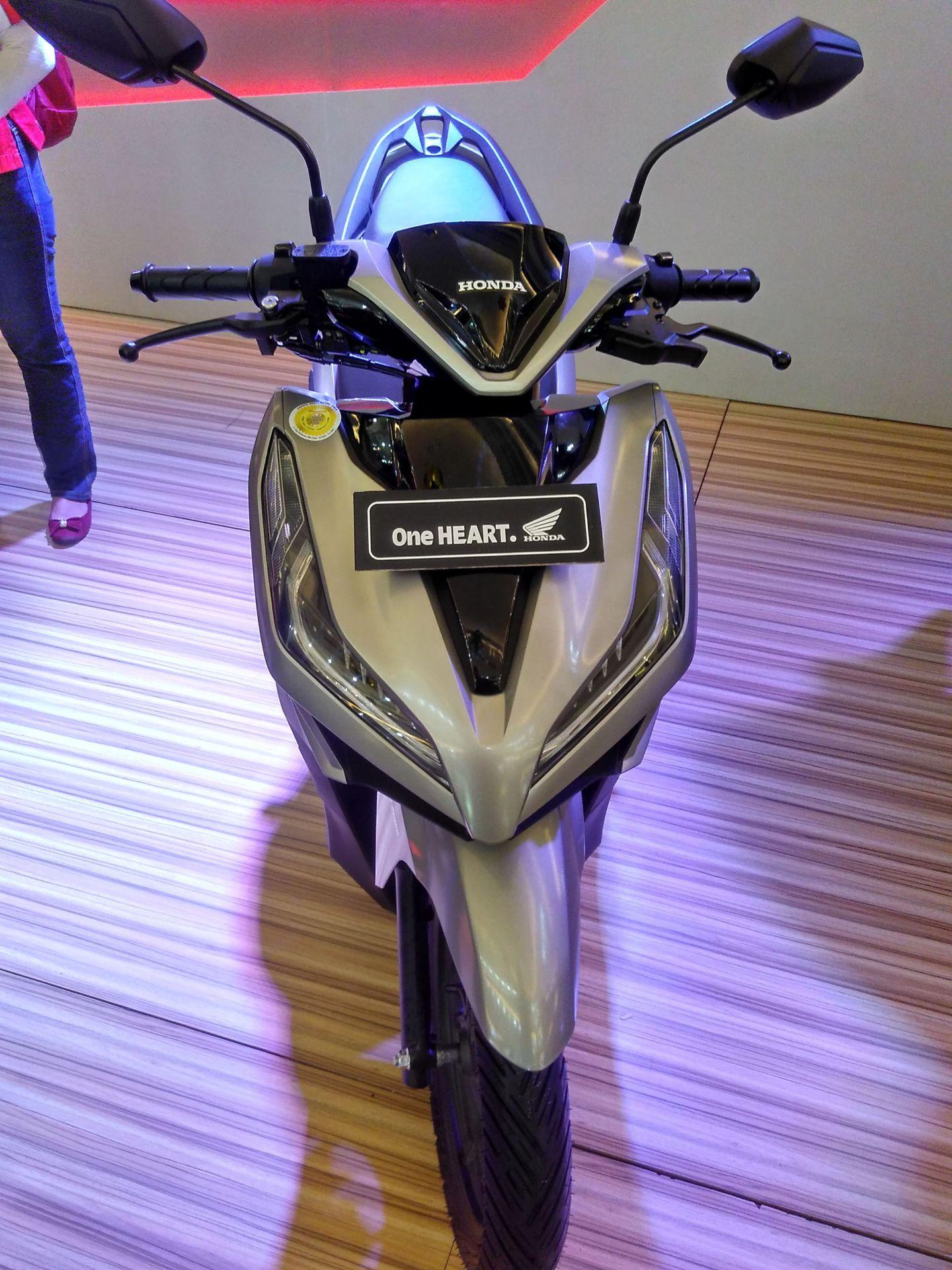 New Honda Vario 150 silver