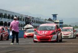 Karakter Mobil Balap Honda Jazz Speed Challenge