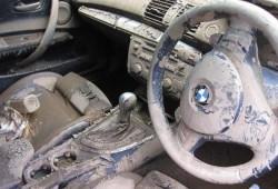 Tips Membersihkan Interior Mobil Pasca Kebanjiran