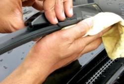 Tips Merawat Wiper Mobil Dan Cara Membersihkannya