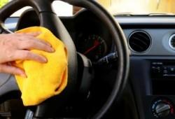 Tips Merawat Mobil, Cara Membersihkan Setir Mobil