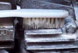 Cara Menghilangkan Kerak Motor Untuk Tampil Kinclong