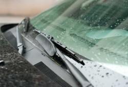 Tips Sederhana Merawat Wiper Mobil Kendaraan Anda